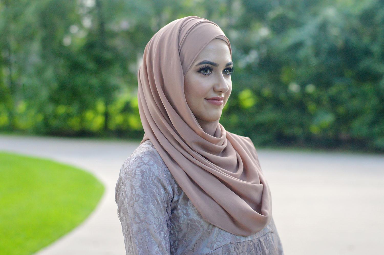 Rahasia Agar Rambut Tatap Sehat Biarpun Terbalut Hijab - Menit.co.id 4980548280
