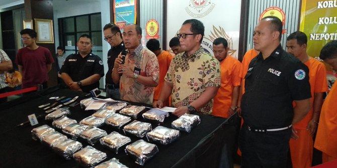 Bareskrim Tangkap Enam Kurir 22 Kg Sabu Selundupan dari Malaysia