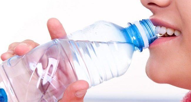 Cara Minum Air Putih Seperti Rupanya Mampu Turunkan Berat Badan