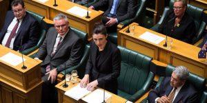Pemerintah Selandia Baru Larang Penggunaan Senjata Semi Otomatis