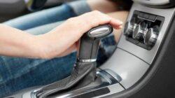 Beli Mobil Baru, Pilih Transmisi Manual atau Otomatis?