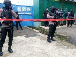 Densus 88 Temukan Atribut FPI saat Geledah Rumah Terduga Teroris