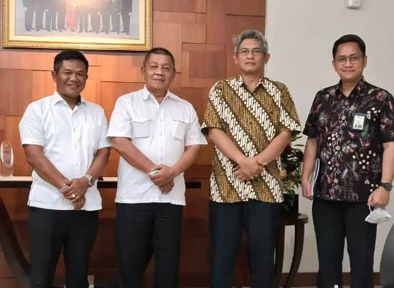 Wakil Wali Kota Dumai Amris bersama Direktur Jendral Bina Marga PUPR Hedy Rahadian.