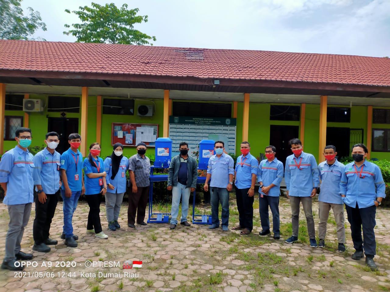 Edukasi Kebersihan Masa Pandemi Covid-19, PT ESM Bantu Alat Cuci Tangan ke Dua Sekolah