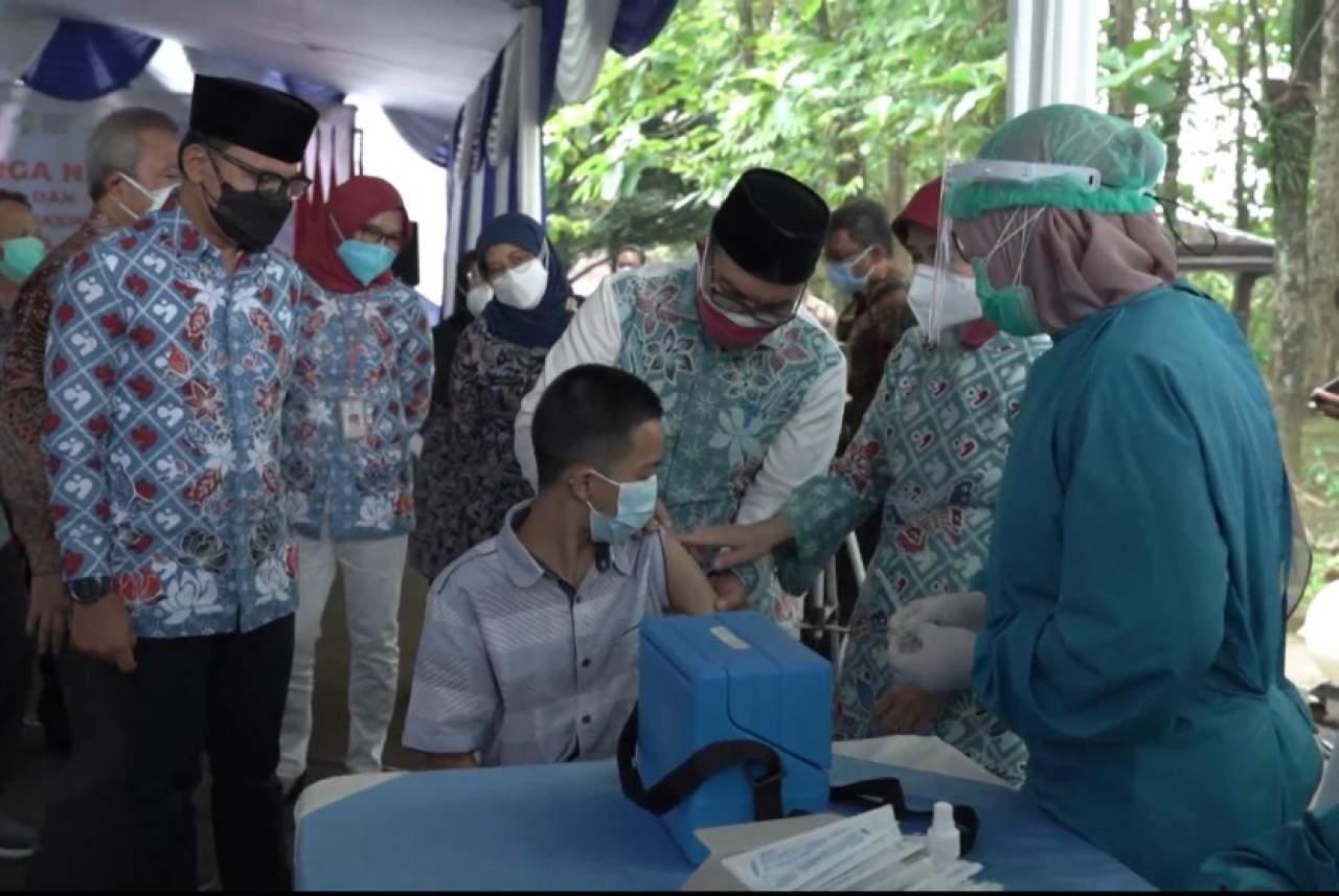 Serentak Vaksinasi pada Anak Dilakukan di Tiga Provinsi