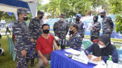 Lanal Dumai Gelar Serbuan Vaksin kepada Masyarakat Maritim