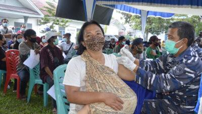 Lanal Dumai Maksimalkan Pemberian Vaksin Covid-19 Masyarakat Maritim