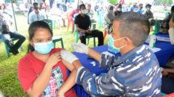 Serbuan Vaksinasi TNI AL Sasar Kalangan Remaja di Dumai