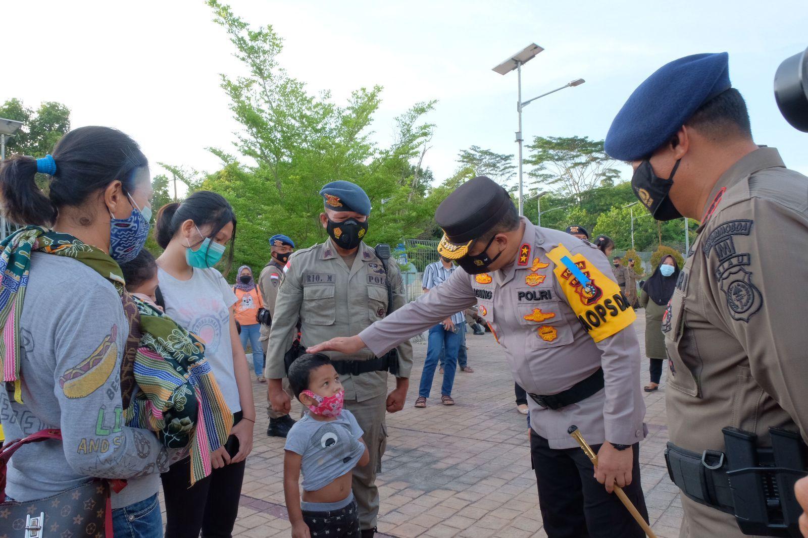 Pasukan Brimob Polda Riau berangkat menuju Papua