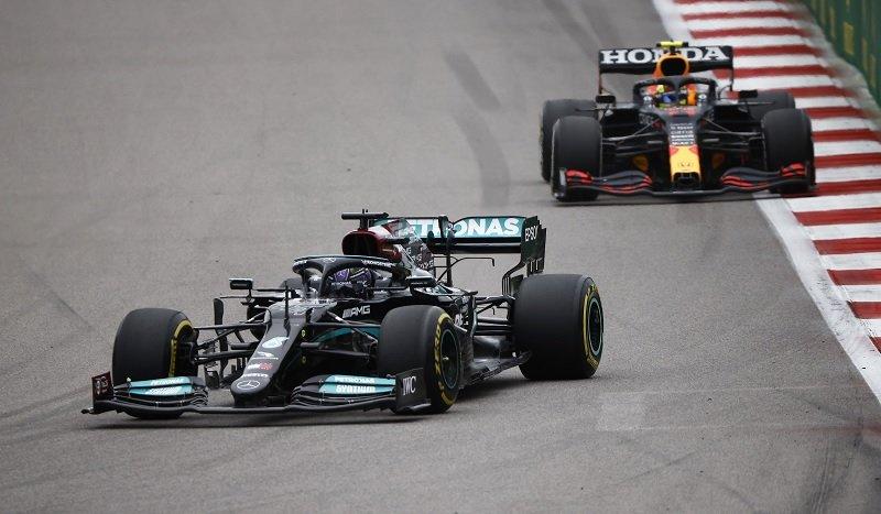 Lewis Hamilton Menangi F1 GP Rusia 2021
