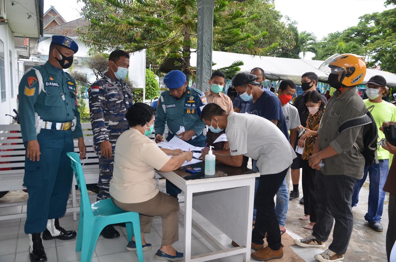 TNI AL Lanal Dumai Konsisten Laksanakan Serbuan Vaksinasi